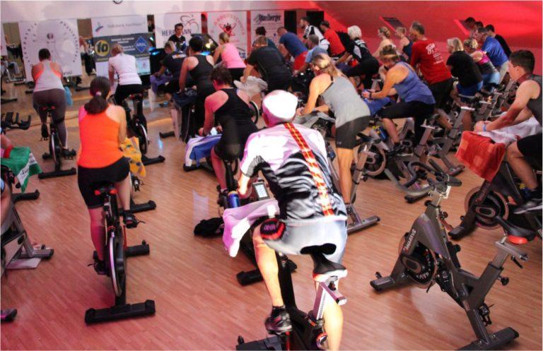 Indoor Cycling umgangssprachlich Spinning - Live Kurse - Events und Ausdauersport